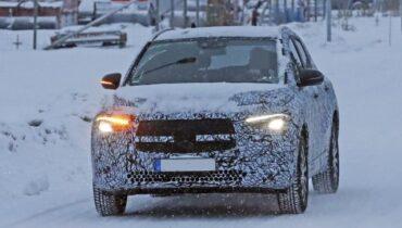 Mercedes-Benz EQA 2021: Elektrický crossover poprvé spatřil
