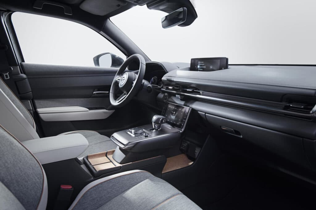 Mazda MX-30 2022: specifikace, cena, datum vydání