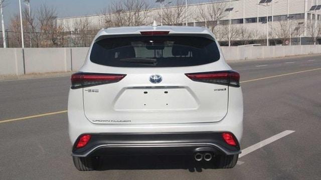 Toyota Crown Kluger 2022: specifikace, cena, datum vydání